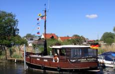 Flusskreuzfahrt Baumblüten-Route führt die die Mark Brandenburg, mit Halt an der Domstadt Brandenburg zum Baumblütenfest auf der Insel Werder an der Havel im wunderschönen Havelland bei Potsdam