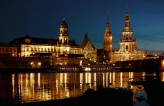 Flusskreuzfahrt Sachsenroute führt auf der Havel durch die malerische Mark Brandenburg und weiter auf der Elbe über die Porzellanstadt Meissen in die sächsische Elbflorenz und sächsische Landeshauptstadt Dresden